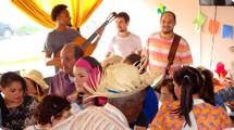 Banda Dona Za�ra anima frequentadores do Centro Dia do Idoso